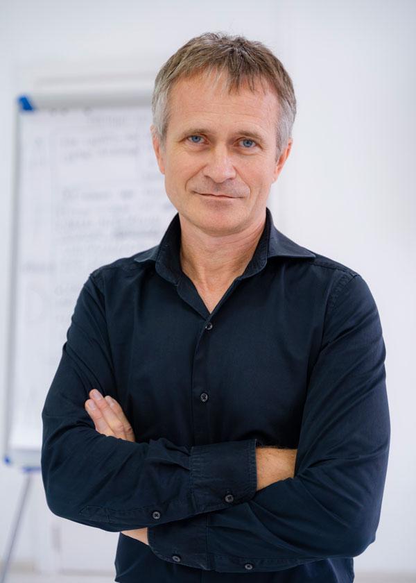 Бизнес-тренер Евгений Андросов